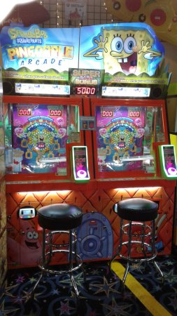 Λονγκ Μπιτς, Ουάσιγκτον: Spongebob Pineapple - collect all of the character cards and win 5000 tickets! Open 10-10 #Funla