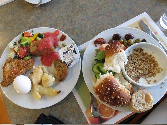 Renaissance Tel Aviv Hotel: amazing breakfast buffet
