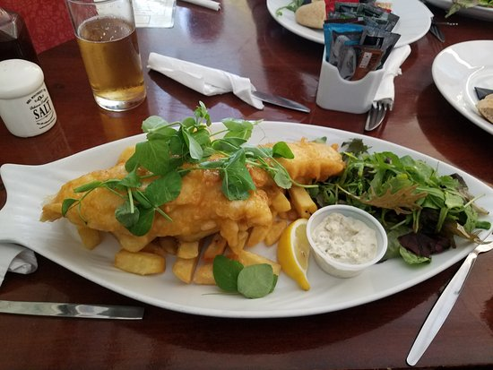 The Lock Inn: fish and chips