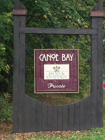 Canoe Bay: Entry to area