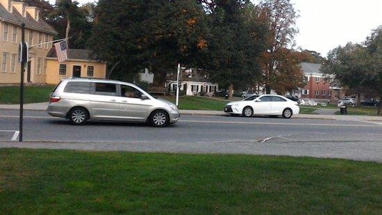 Lexington Green: Street view of historic center