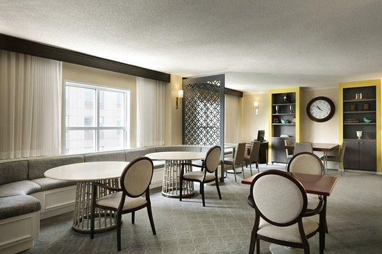 Sheraton Raleigh Hotel SPG Club Lounge