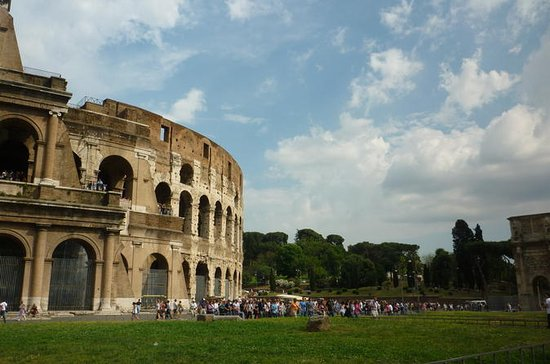 Rome: Book a Local Friend