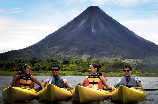 ARENAL LAKE KAYAKING