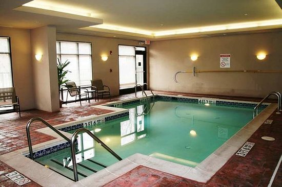 Hampton Inn Doylestown Indoor Swimming Pool