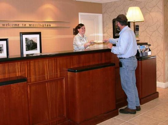 Warrington, PA: Front Desk