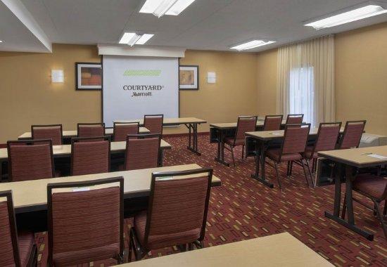 Wayne, PA: Meeting Space - Classroom Setup