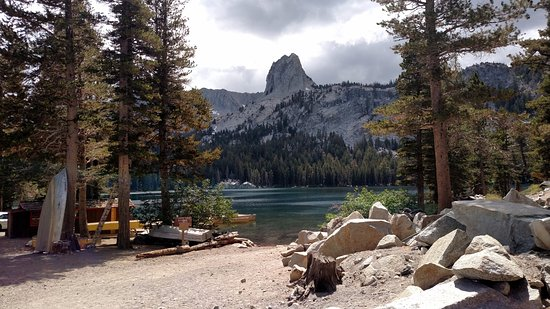 Mammoth Mountain : One of the beautiful lakes near Lake Mary