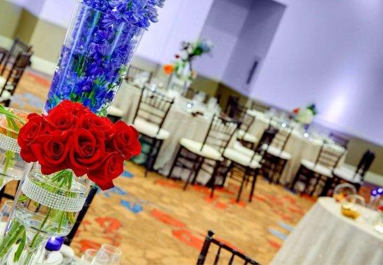 Courtyard Atlanta Decatur Downtown/Emory: Wedding Reception Details