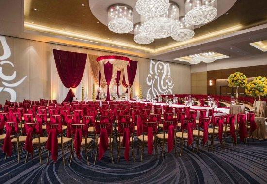 르네상스 샴버그 호텔 앤드 컨벤션 센터 사진