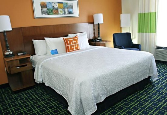 Princeton, IN: King Guest Room