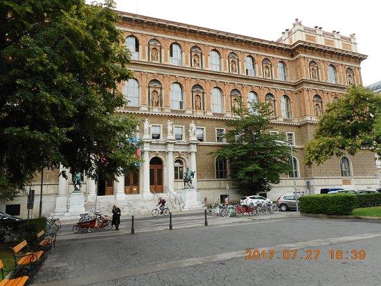 Akademie der bildenden Kunste