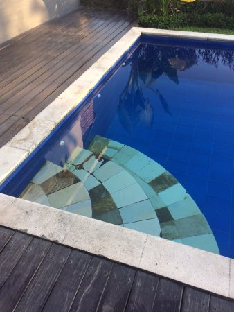 The Samara: Pool Steps