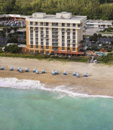 Jensen Beach, فلوريدا: Oceanfront Exterior
