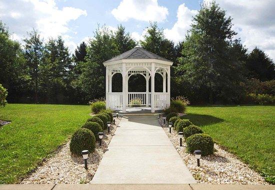 New Stanton, Pensilvania: Outdoor Gazebo