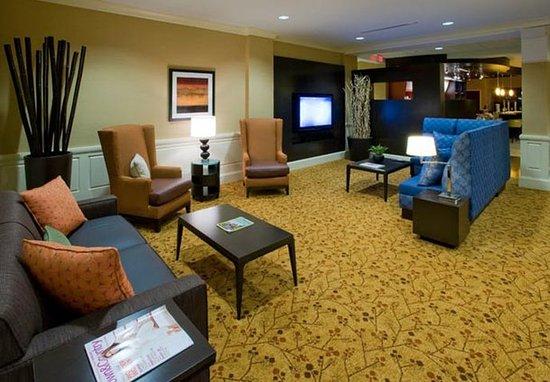 Clemson, SC: Lobby Seating Area