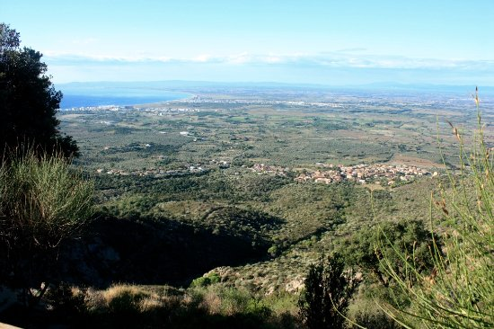Palau-Saverdera, Spanyol: View from the top of Sant Onofre towards Roses