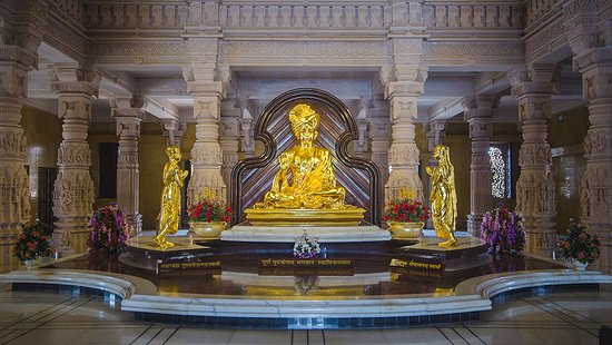 Akshardham Temple: Idol of God Swaminarayan
