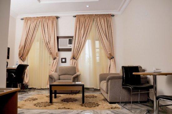 Hotel De Bently: OGUGUA SUITE