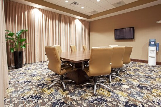 Holiday Inn & Suites Columbia - Airport: Board Room- comp shuttle service to Columbia Metropolitan Airport