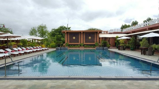 Bagan Lodge: Pool near the reception and restaurant
