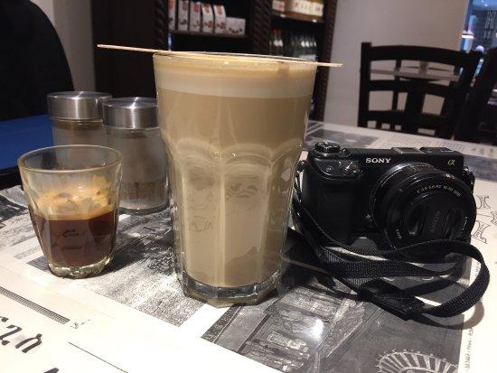 Aksum Coffee House : photo2.jpg