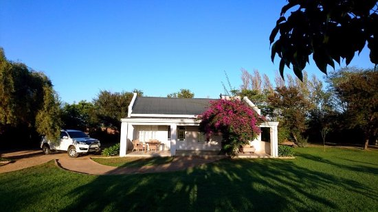 Addo, Zuid-Afrika: This cottage is huge!