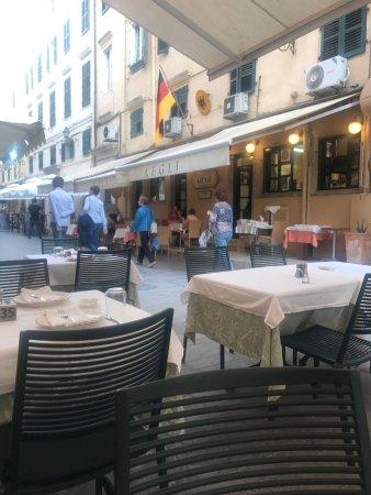 Rex corfu town restaurant avis num ro de t l phone for Restaurant le rex