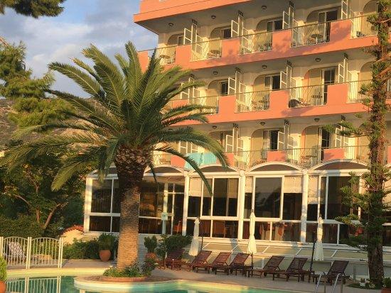 Tolon Holidays Hotel: Billedet taget fra poolområdet