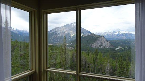 Rimrock Resort Hotel: Udsigt til Banff og bjergene