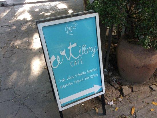 ARTillery : 餐廳招牌