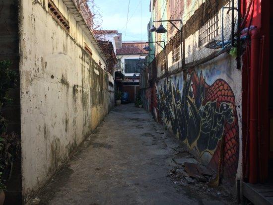 ARTillery : 到餐廳的小巷