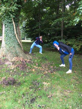 Soroe, Denmark: Teeanagere på svampejagt