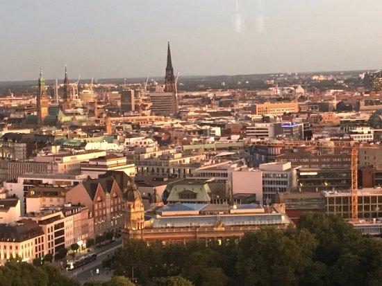 Radisson Blu Hotel, Hamburg: View from 24th Room