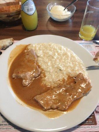 Pollegio, Szwajcaria: Très bon risotto Tessinois avec de la viande