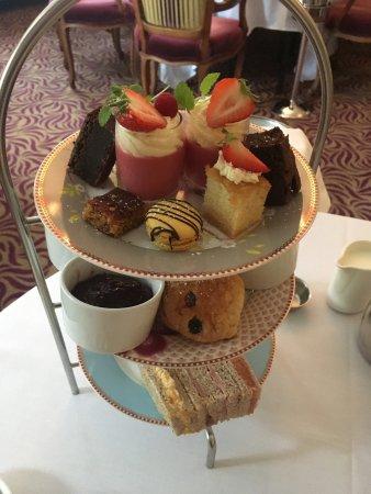 Wentbridge, UK: Afternoon Tea,perfect indulging.