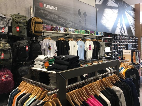 Rushden, UK: The girls are so helpful in store, and clothing is brill. If your after sk8, snowboard or just a