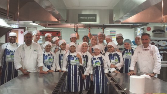 Chef Walters Cooking School: Teaching in Dubai Emirates
