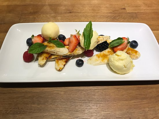 Hutton Rudby, UK: Carmelised Bananas with Mango Sorbet