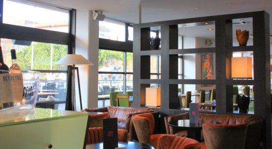 Victor Cafe: Bar