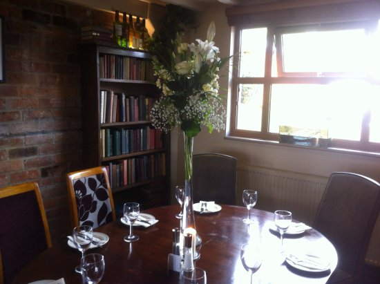 The Fox at Peasemore: Wedding Lunch