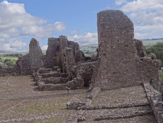 Brough, UK: de binnenplaats van het kasteel
