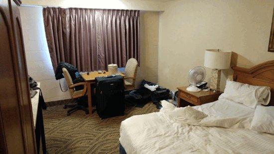 Shilo Inns Seaside Oceanfront: Our room