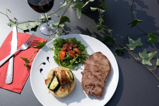 Ceyrat, Francia: Pièce de bœuf & son gratin de pommes de terre