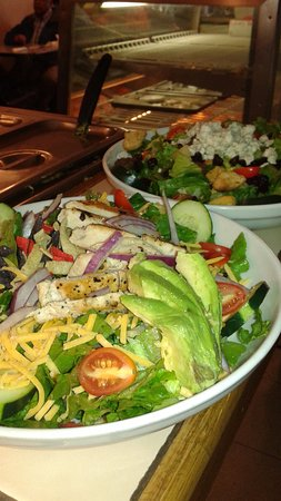 Quinn's Cafe: Fresh Salads