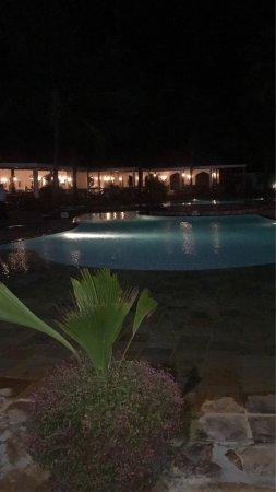 Sultan Sands Island Resort: photo1.jpg