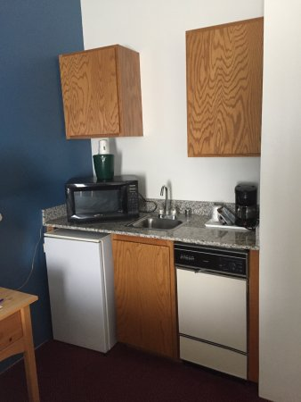 Baymont by Wyndham Tri-Cities/Kennewick WA: Kitchen type area