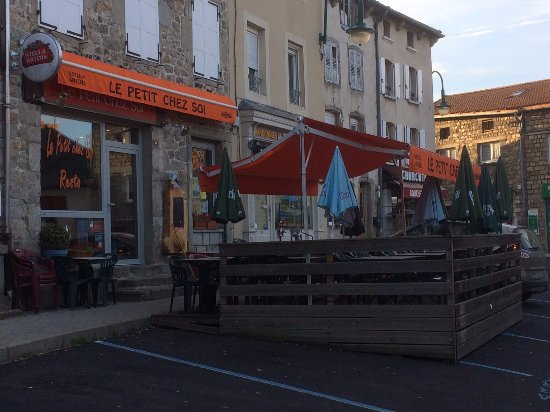 Saugues, France: terrasse