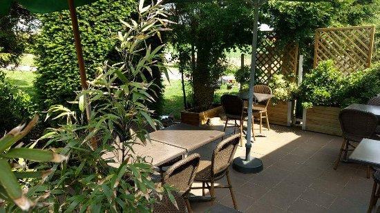 Sainghin-en-Melantois, Francia: Photo de notre terrasse pour les beaux jours