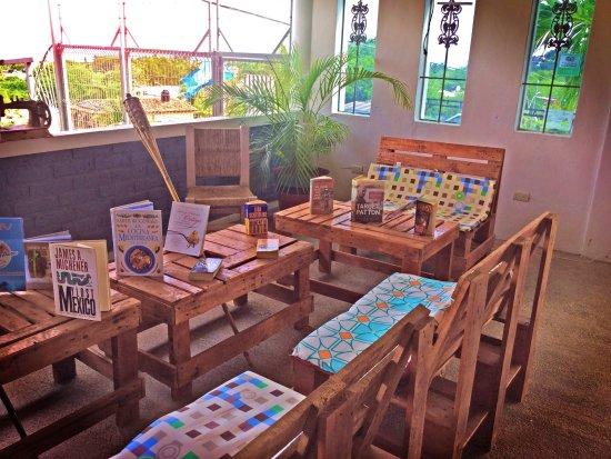 La Cruz de Huanacaxtle, Mexico: Nuestra biblioteca